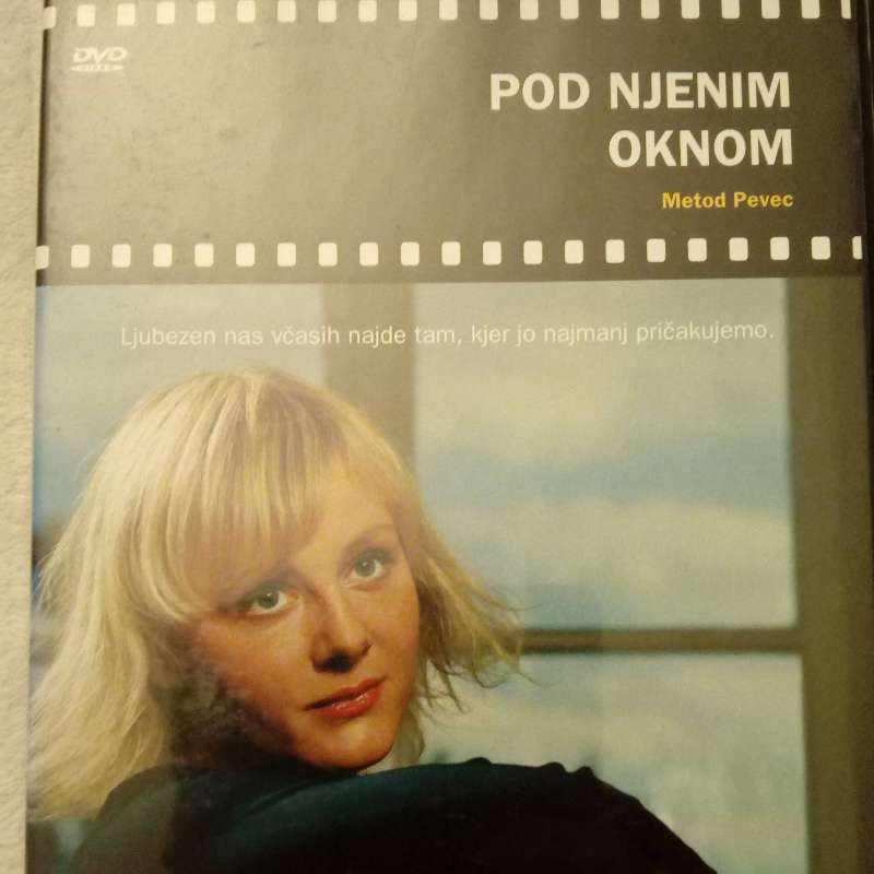 DVD Pod njenim oknom
